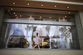 mall landlord taubman sues saks fifth avenue store