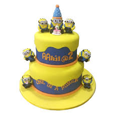 minion birthday cakes in a minion birthday cake