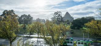 melbourne cbd hotel accommodation seasons botanic gardens