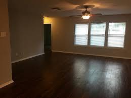 Silver Laminate Flooring 7805 Silver Oak Drive Texas City Tx 77591 Greenwood King