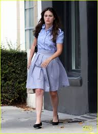 zooey deschanel pampers herself at salon after wrapping u0027rock
