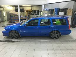 volvo v70 r 2 3t auto 300bhp rare car in lazer blue in aylesbury