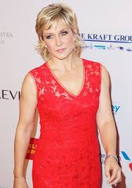 pictures of amy carlson hairstyle top 39 most inspiring amy carlson quotes by quotesurf