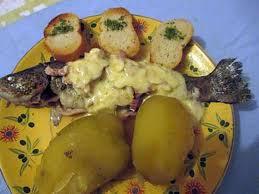 cuisiner truite enti鑽e recette de truite facon pitouse creme hollandaise d amandes