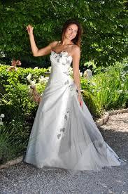 robe de mariã e grise et blanche robe mariée blanche et grise mariage toulouse