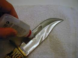 how to clean a kitchen knife