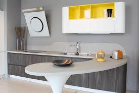 cuisine moderne jaune cuisine moderne blanche et jaune photo stock image du décoration