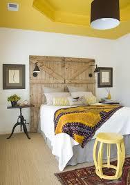 Diy Door Headboard Little Yellow Barn Diy Barn Door Headboard