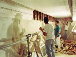 plaster ornamental accents before and after restoration