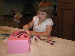 how to craft a jewelry box with your kids gluenglitter