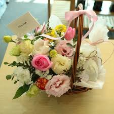 candy basket delivery flower and candy basket a flower delivery south korea 320 5