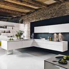 wandverkleidung k che küche wandgestaltung weiße einrichtung schwarze akzentwand