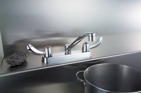 1 5 Gpm Kitchen Faucet Faucet Com 26c3142 In Chrome By Delta