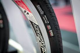 trail guide tires maxxis adds more skinwall tubeless u0026 29er dh and 2 6
