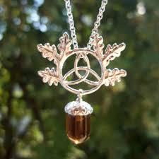 pandantiv cristal pandantiv cristal ghinda norocoasă cu triskelion