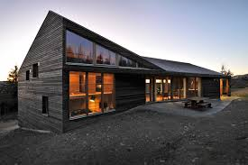 natural simple design of the modern custom log homes that has