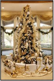 oh my now this is a beautiful tree luxury