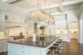 loge tout cuisine cuisine modele cuisine blanche avec jaune couleur modele cuisine