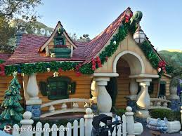 mickey has decorated his house for christmas toontown disneyland
