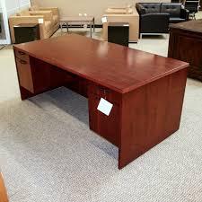 Mahogany Office Desk Used Ofd Nexus 36x72 Executive Office Desk Mahogany Dee1516 017