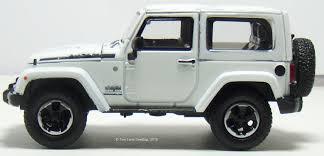 jeep wrangler 2 door hardtop white two lane desktop greenlight 1 43 2014 jeep wrangler and wrangler