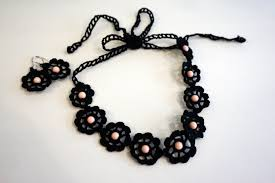 crochet necklace black images Hand made bijoux art of tuscany jpg