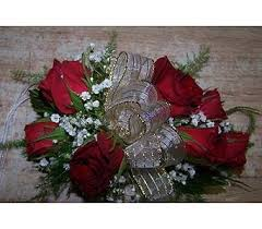 wrist corsages for homecoming prom corsages boutonnieres delivery voorhees nj nature s gift