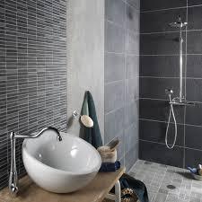 hauteur de cr ence cuisine carrelage gris salle de bain mural et fa ence pour bains cr dence