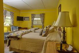 Yellow Room Carriage House Rooms Wolfville Ns Bed U0026 Breakfast Victoria U0027s