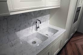 marbre de cuisine cuisine classique en marbre en bois melograno by