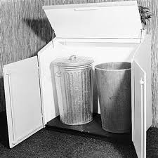 Backyard Garbage Cans by 16 Best Hiding The Garbage Cans Ideas Images On Pinterest