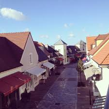 9 shopping villages in europe