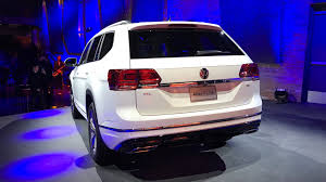 volkswagen atlas r line vw atlas r line shows its sporty side in detroit