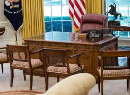 White House Oval Office Desk Photos New Look For White House S West Wing After Renovations Wtop