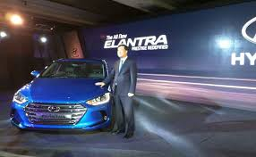 hyundai elantra price in india 2016 hyundai elantra launched in india price starts at rs 12 99