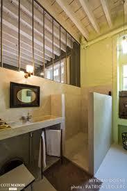 chambre d hote lyon une nuit au château chambres d 039 hôtes à lyon myriam dorne