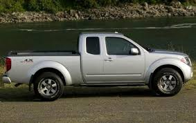 nissan frontier engine size 2011 nissan frontier information and photos zombiedrive