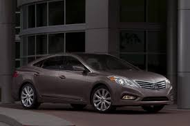 new 2012 hyundai azera sedan photos and details autotribute