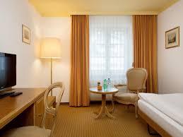 la chambre des 駱oux 洛加伯特洛伊克巴德特爾瑪爾酒店 thermalhotels leukerbad agoda 提供
