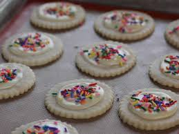 10 christmas cookies so easy kids can help make them fn dish