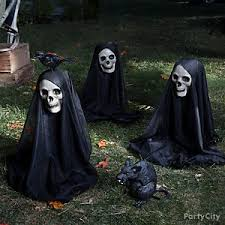 How To Make A Haunted Maze In Your Backyard Haunted House Yard Ideas Halloween Party Ideas Holiday Party