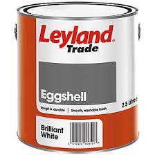 leyland trade eggshell paint brilliant white 2 5ltr gloss paints
