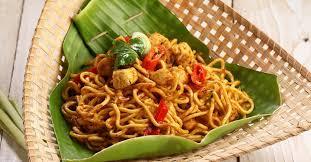 membuat mie gomak goreng mie gomak spaghetti khas batak yang menggetarkan lidah traveling yuk