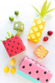 fruit gift ideas diy gift wrapping ideas turn your wrapping paper into fruit