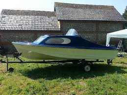 shetland 535 boat with 40hp mariner outboard u0026 road trailor