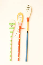 6 Diy Ways To Make by Hello Wonderful 6 Adorable Ways To Make Spoon Doll Puppets