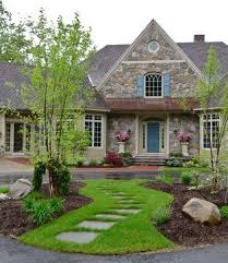 Small Front Yard Landscaping Ideas Best 25 Circle Driveway Ideas On Pinterest Cheap Driveway Ideas