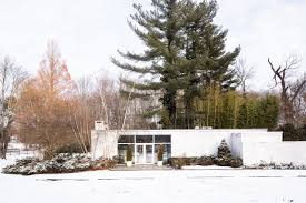 mcm home popular midcentury modern homes are fetching top dollar wsj