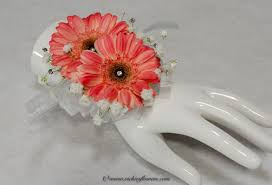 Red Rose Wrist Corsage Corsage Boutonnieres Prom Homecoming Vickie U0027s Flowers Brighton