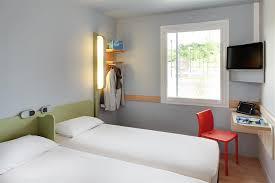 ibis budget dans la chambre ibis budget hôtels 2 étoiles à pourçain sur sioule